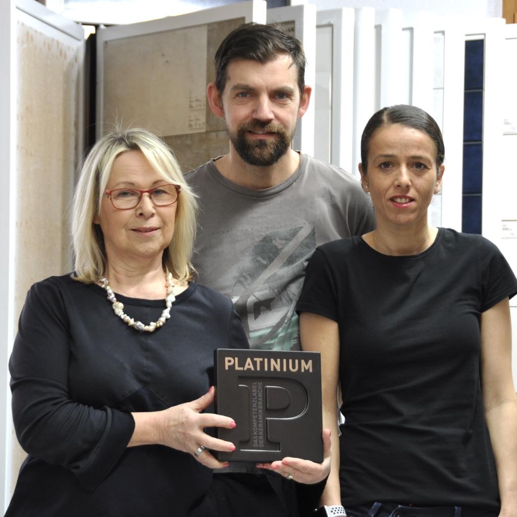 Berghild Vignoli (Geschäftsleitung), Roger Sallmayer (Vorarbeiter) und Arzu Aksoy (Verkauf/Beratung)